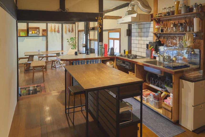 アオアシゲストハウス キッチン